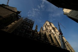 A view shows the restoration work at Notre Dame Cathedral, which was damaged in a devastating fire almost one year ago, in Paris ahead of Easter celebrations to be held under lockdown imposed to slow the spread of the coronavirus disease (COVID-19) in France, April 7, 2020. REUTERS/Gonzalo Fuentes