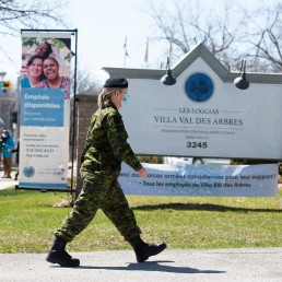 Canadian Armed Forces (CAF) medical personnel arrive at Villa Val des Arbres, a seniors' long-term care centre, to help amid the outbreak of the coronavirus disease (COVID-19), in Montreal, Quebec, Canada April 20, 2020. REUTERS/Christinne Muschi