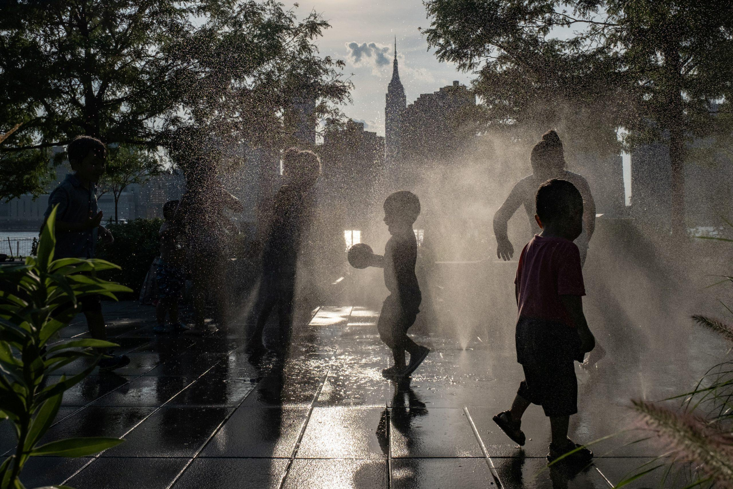 Eat or stay cool? Cities test ways to protect the poor from rising heat - GLOBAL HEROES MAGAZINE