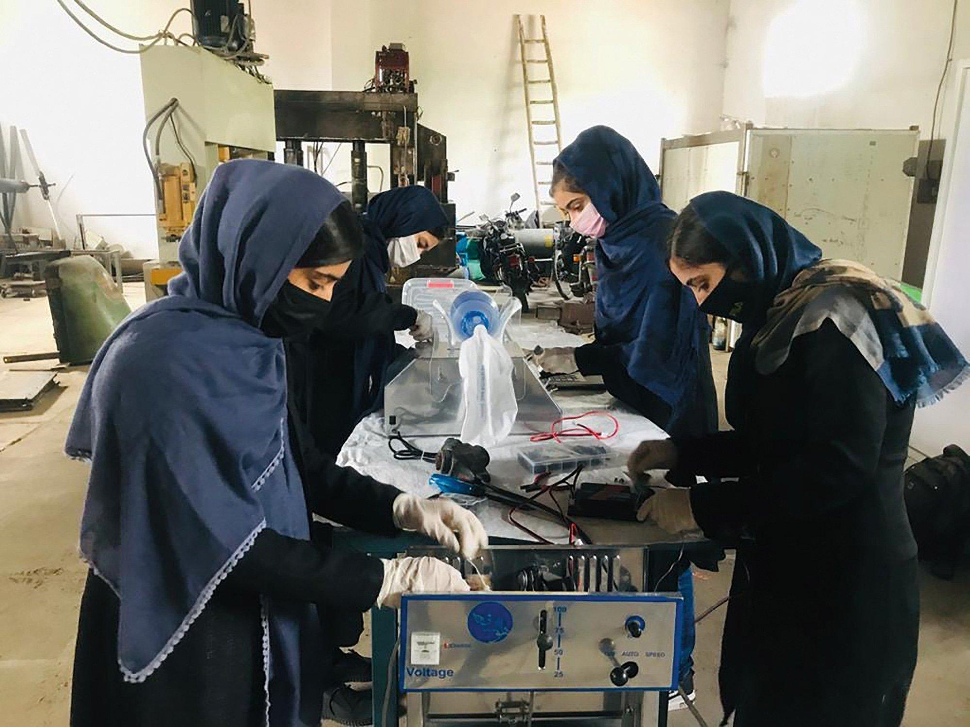 With bike chains and car parts Afghan girls build ventilators - GLOBAL HEROES MAGAZINE