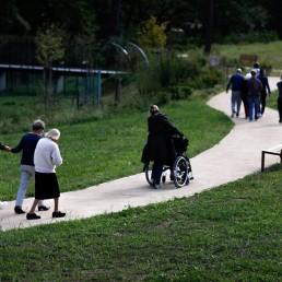French 'Alzheimer's village': where nursing home meets the outside world Alzheimer's patients walk at the Village Landais Alzheimer site in Dax, France, September 24, 2020. REUTERS/Gonzalo Fuentes