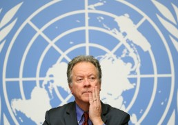 U.N. food agency WFP hails Peace Nobel as a call to action against hunger. The World Food Programme (WFP) Executive director David Beasley attends a news conference on the food security in Yemen at the United Nations in Geneva, Switzerland, December 4, 2018. REUTERS/Denis Balibouse