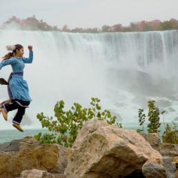 indigenous woman, niagara falls, dance