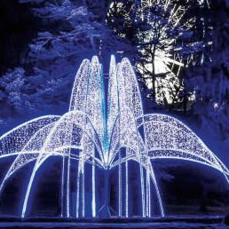 fountain of lights, niagara, christmas lights