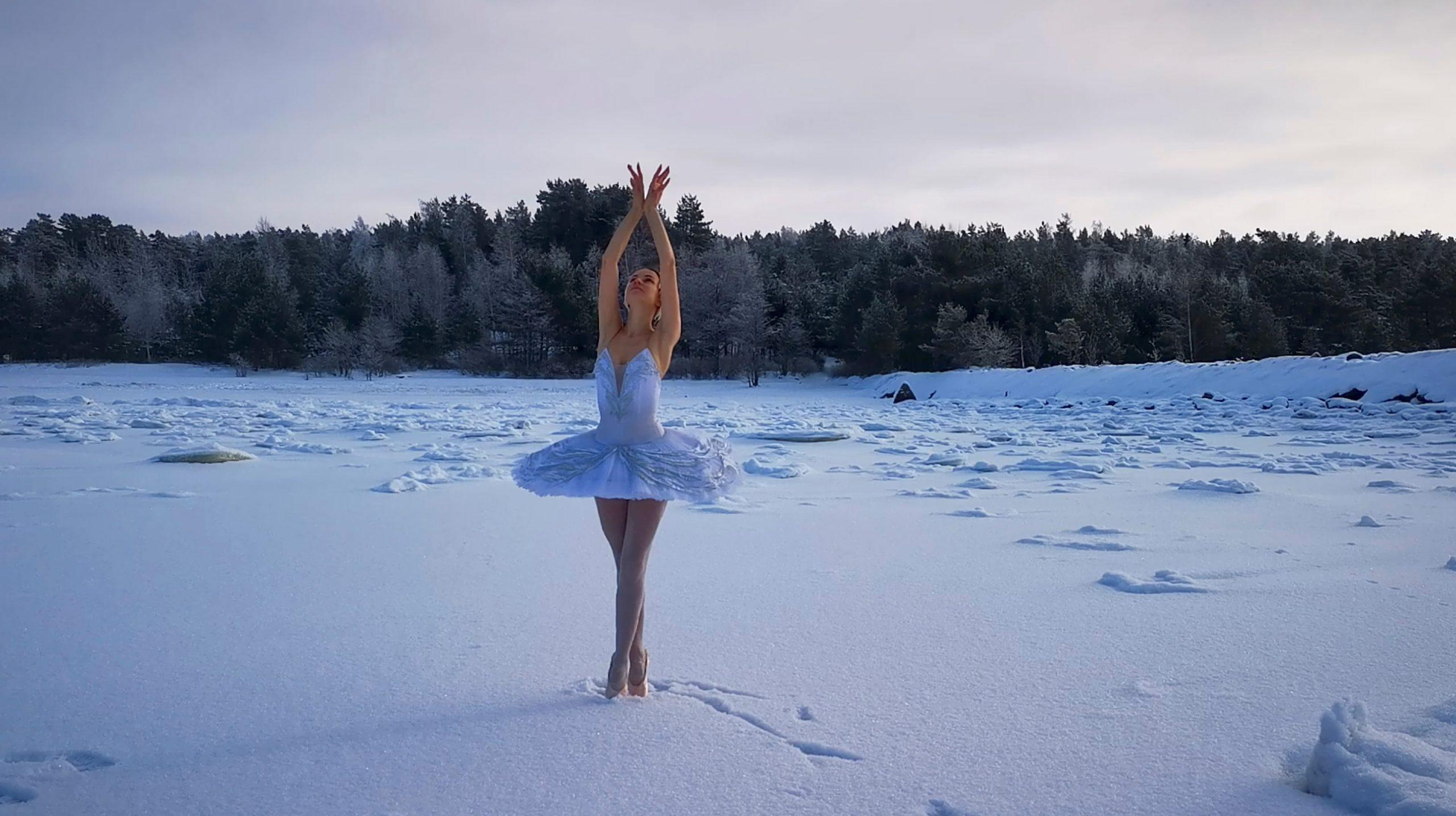 Russian ballerina performs Swan Lake on ice to save bay