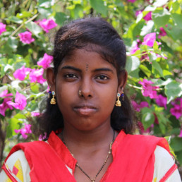 school child education learn scholarship fund pavritha's dream to stay in school