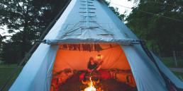002-GHN women in tent