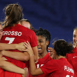 canada medal women's football penalties